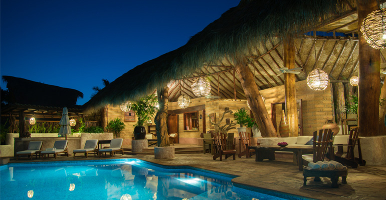 Villa boutique hotel el ensueno by the beach zihuatanejo for Best beach boutique hotels